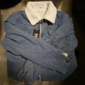 Jean jacket w/feaux sherpa wool inside/collar
